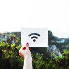 Internet w podróży. Publiczne WiFi – korzystać, czy nie?