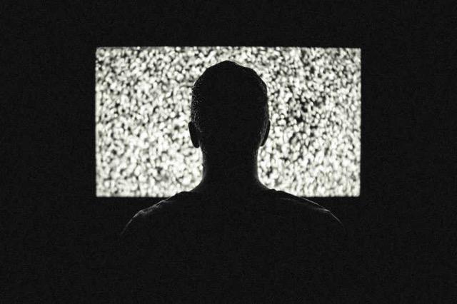 Fałszywy film wstrzyknie Ci złośliwą zawartość