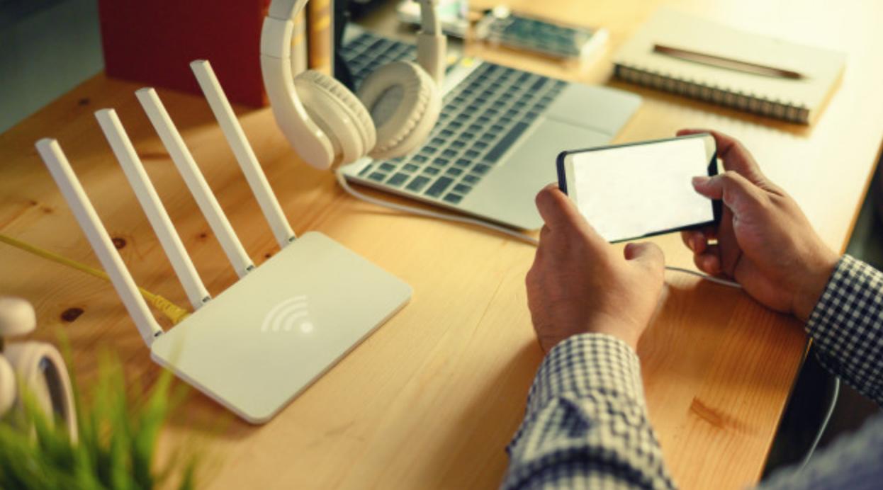 Dlaczego Twoja sieć Wi-Fi jest wolna i jak przystosować ją do wydajnej pracy zdalnej?